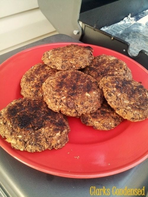 Easy Black Bean Burgers (that actually taste good!)