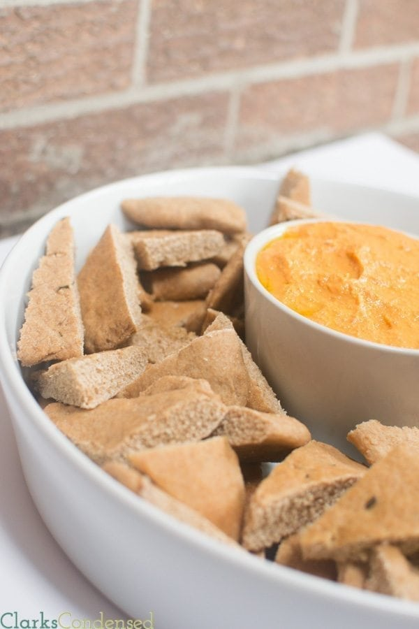 Whole Wheat Clean Pita Bread with Roasted Red Pepper Hummus