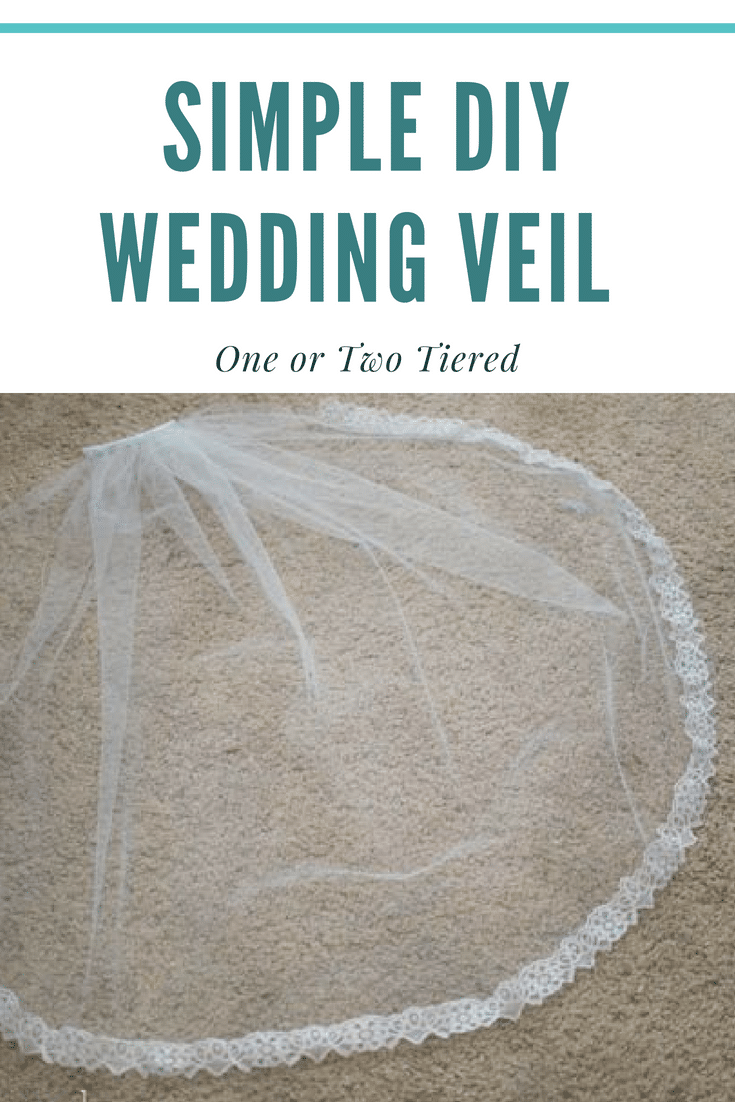 How to make a wedding veil tutorial / DIY Wedding veil / DIY Bridal Veil / DIY Lace wedding veil #diyweddingveil #diywedding via @clarkscondensed