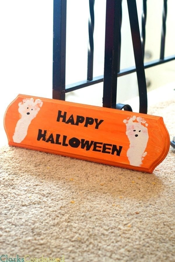 Easy Happy Halloween Sign