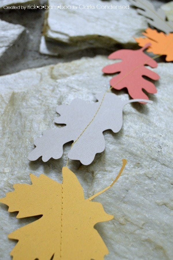 Silhouette Fall Leaf Garland