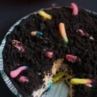 Dirt and Worms Pudding Pie