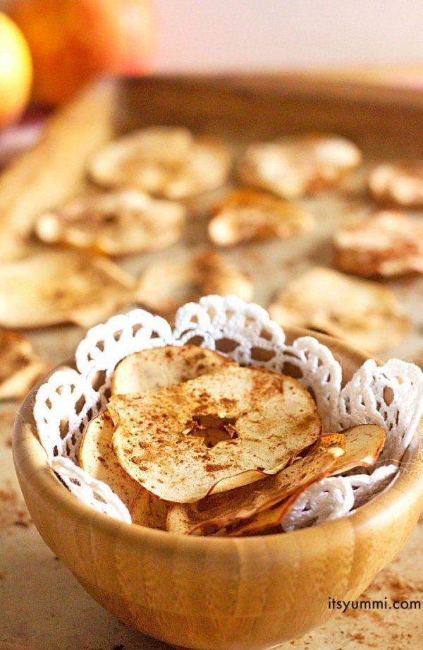 Baked-Cinnamon-Apple-Chips-Recipe-718x1102