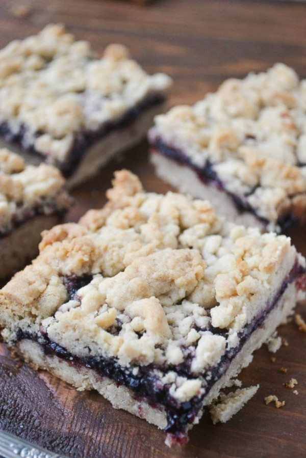 Peanut-Butter-and-Jam-Crumble-Bars