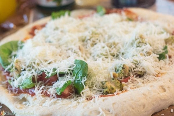 Easy Chicken Pesto Pizza Recipe