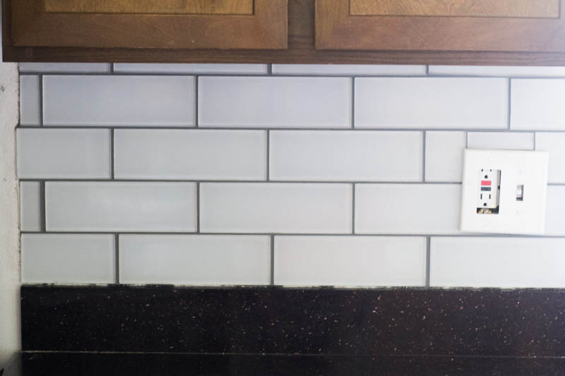 tips and tricks for diy subway tile backsplash installation