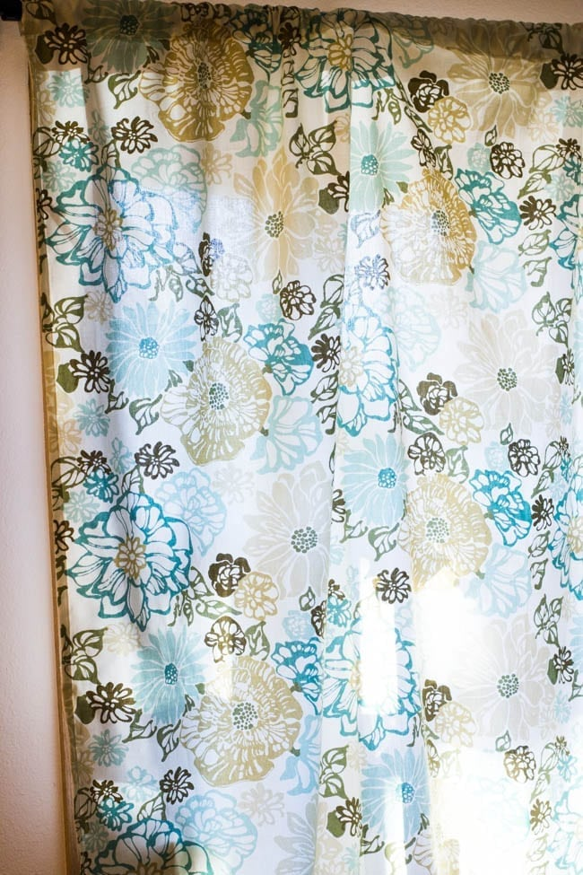 Make Your Own Curtains – DIY Rod Pocket Curtains Tutorial