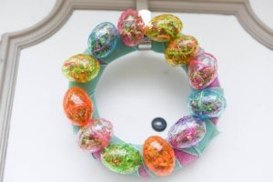 Easy Dollar Tree Easter Wreath