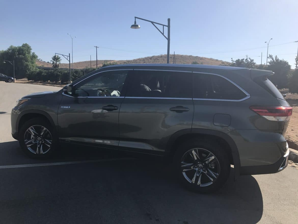 how the 2017 toyota highlander made our so cal roadtrip nearly stressfree. Black Bedroom Furniture Sets. Home Design Ideas