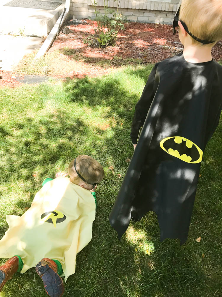 DIY Batman Cape / DIY Robin Cape & DIY Batman and Robin Costumes for Kids