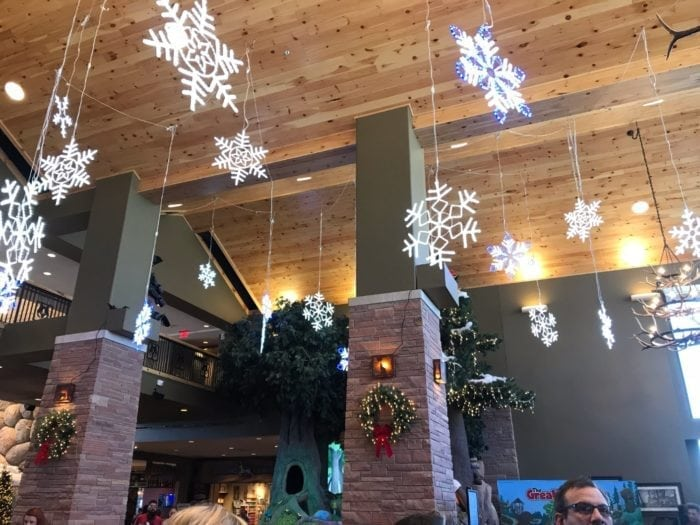Great Wolf Lodge Snowland 2017 Review – Colorado Springs