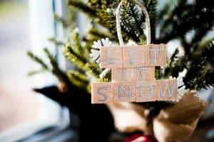 "DIY ""Let it Snow"" Ornament"