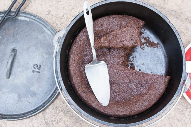 Dutch Oven Chocolate Cake / Dutch Oven Recipes