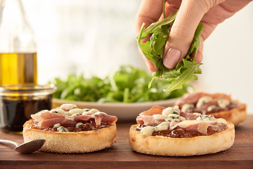 Fig Prosciutto Arugula Pizza