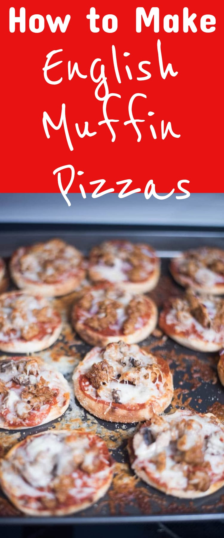 English Muffin Pizzas / HOw to Make English Muffin pizzas / Mini Pizzas / #pizza #homemadepizza via @clarkscondensed