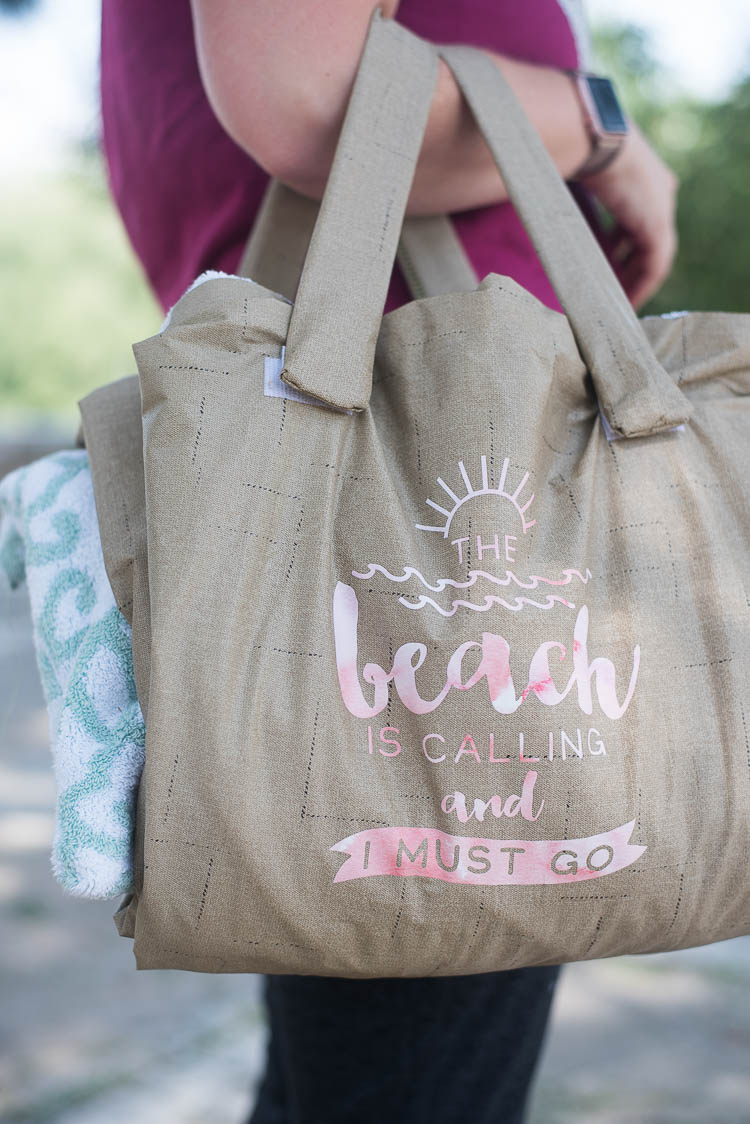 beach towel that turns into a bag