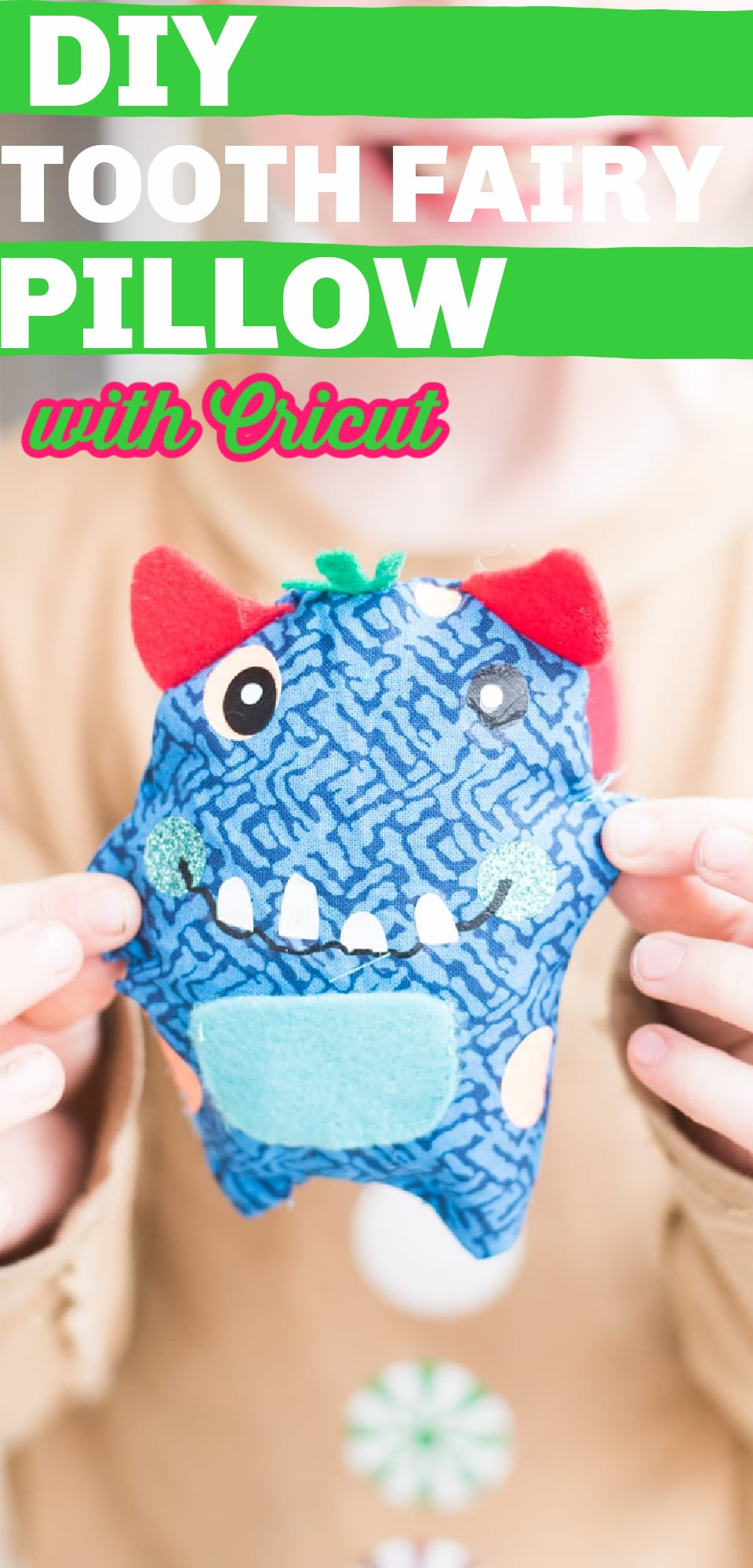 DIY Tooth Fairy Pillow / Tooth Fairy Pillow Tutorial / Sewing With Kids via @clarkscondensed