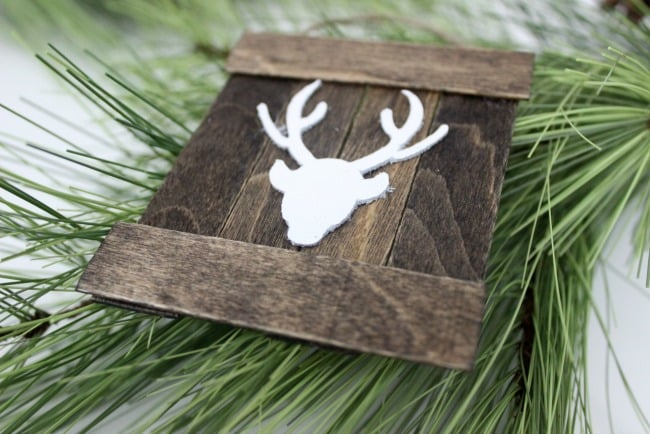 DIY Mini Deer Pallet Ornament