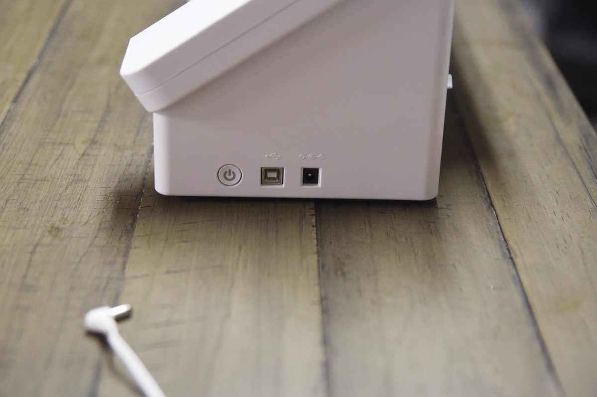 side view of silhouette cameo 4