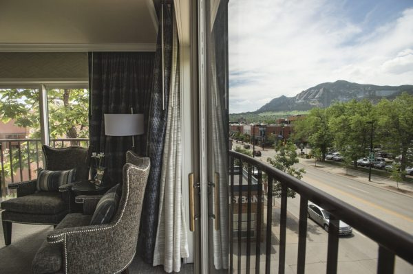rooms with a view of the mountains
