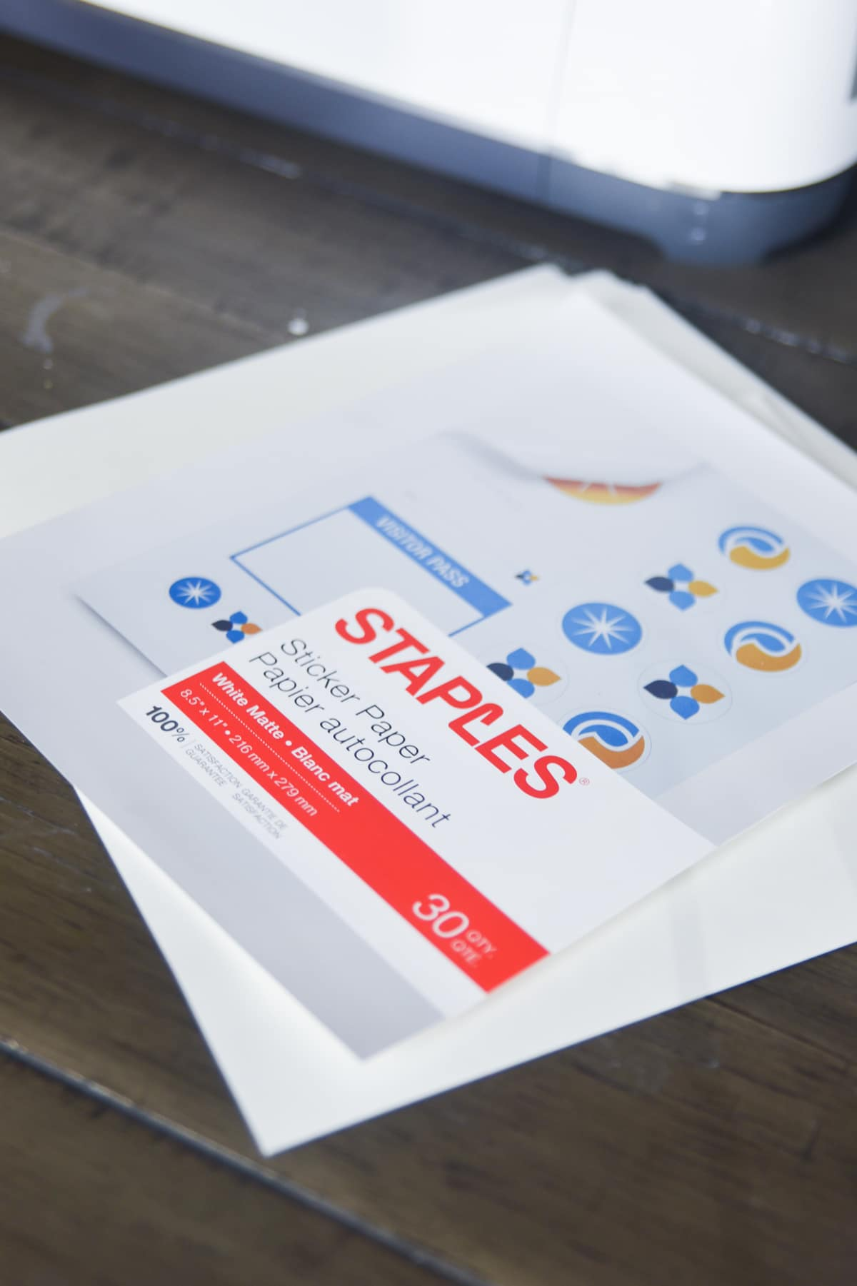 staples sticker paper